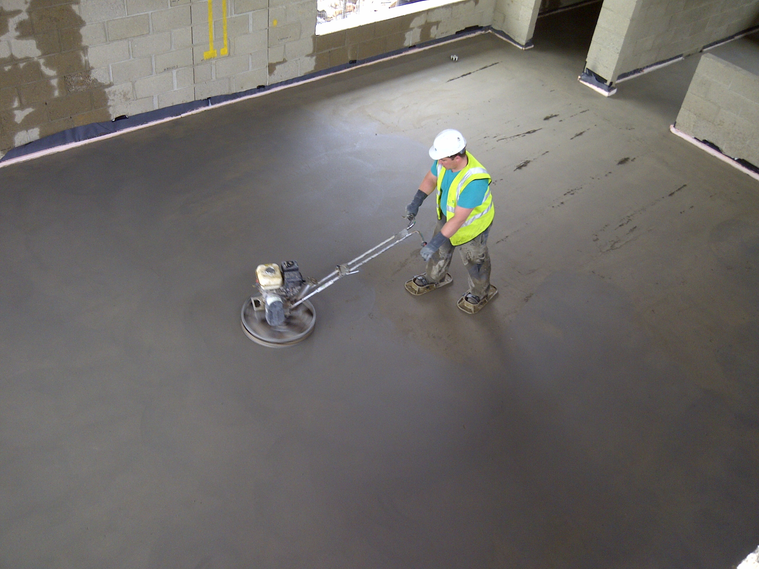 Ccs carry out heavy duty fast drying screeds to new for Floor screed drying times